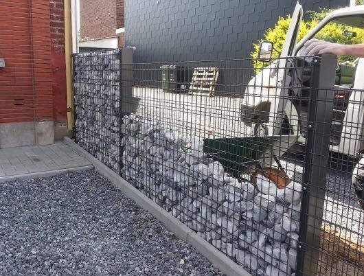 Placement d'une clôture décorative avec des panneaux ZENTURO