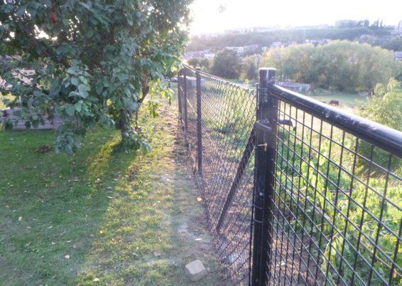 Mise en place d'une clôture souple de 1.5 mètres de hauteur