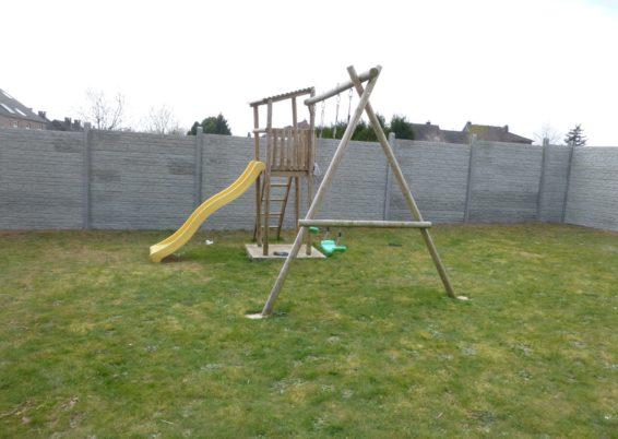 Remplacement d'une clôture avec brise-vue par une palissade en béton