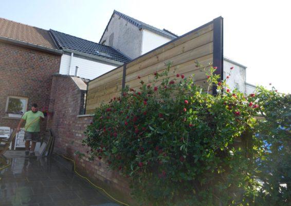 Remplacement d'un couvre mur et placement de claustras bois métal à Crisnée