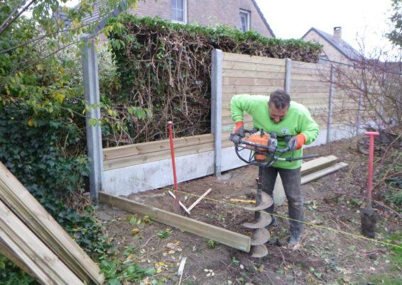 Placement d'une clôture palissade à Liers