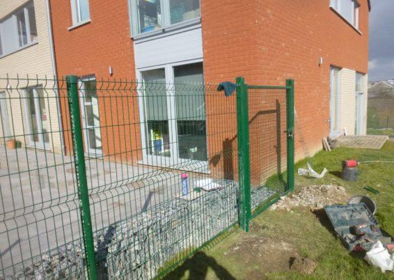 Installation d'une clôture rigide et d'un portail à Huy