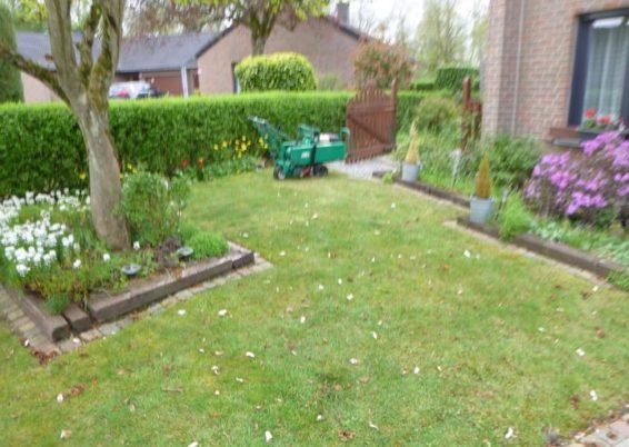 Remplacement d'une vielle pelouse pour une pelouse en rouleaux