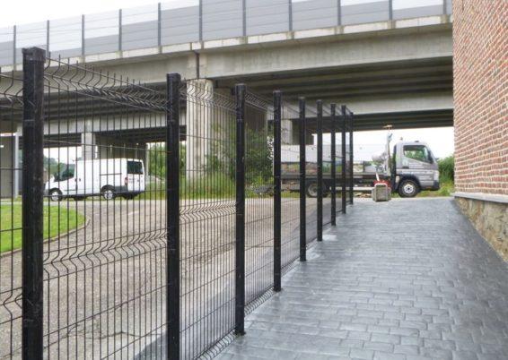 Mise en place d'une clôture en panneaux rigide à Bassenge