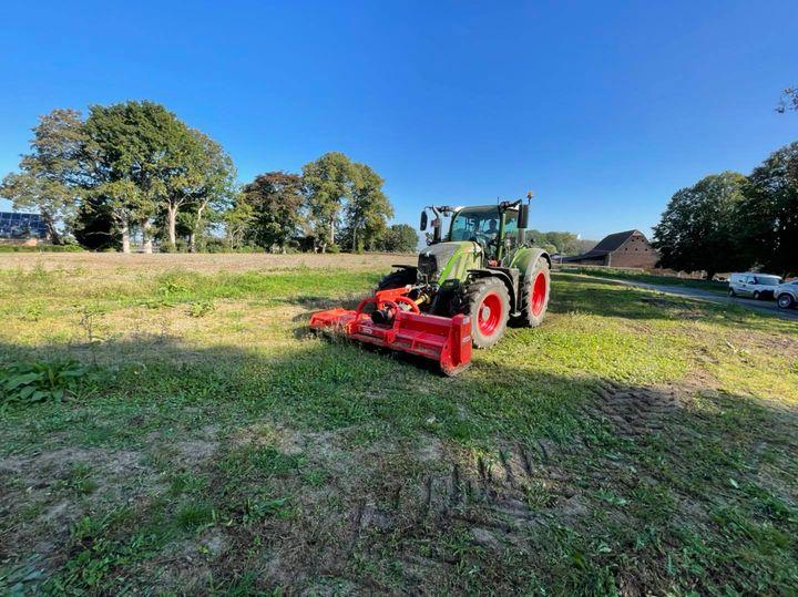 Création d'une nouvelle pelouse au château de Waroux